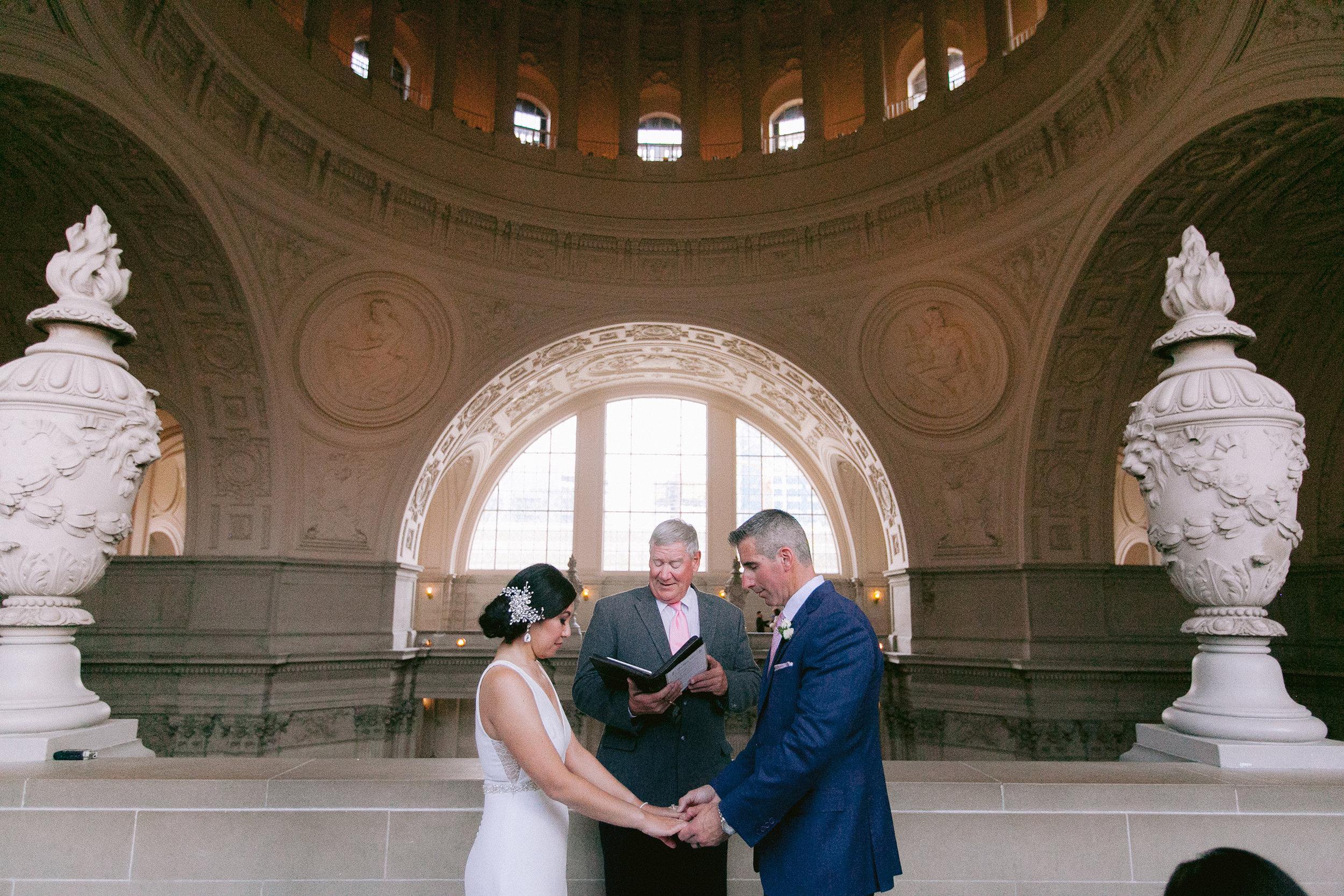 San_Francisco_City_Hall_Wedding_008.jpg