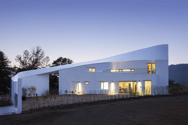 002 Curvilinear House -44.jpg