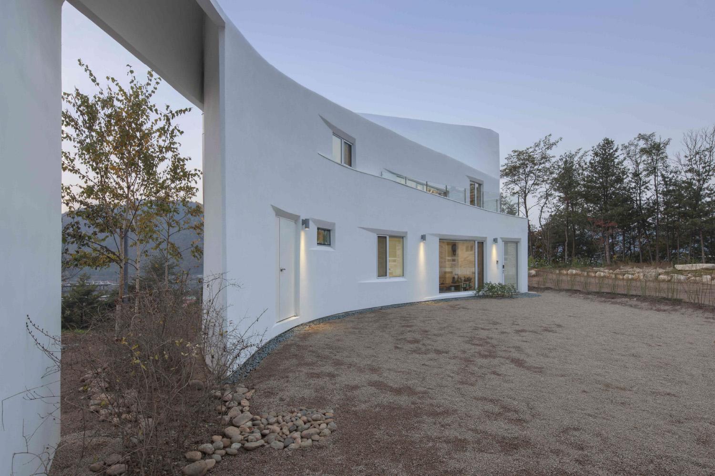 002 Curvilinear House -50.jpg