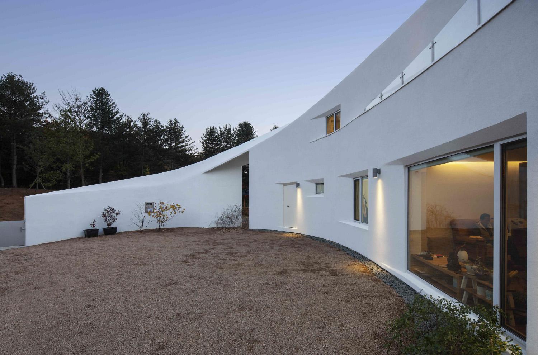 002 Curvilinear House -51.jpg