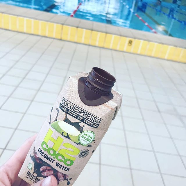 After some laps at the pool I had my first coconut water coffee. Oh my... sooo good. 😋 It's a bit on the sweet side but I'm going to try just making my own coffee this way when I need a coffee but it's too hot for a proper one. ☕️