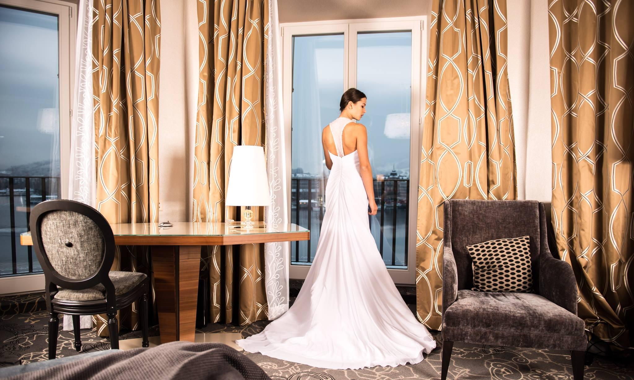 WEDDING PHOTO & VIDEO $1799 - 1 PHOTOGRAPHER/ 1 VIDEOGRAPHER/ 5 HOURS