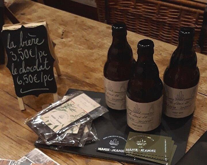 Retrouvez plus de produits sur le site web  Chez Marie Jeanne