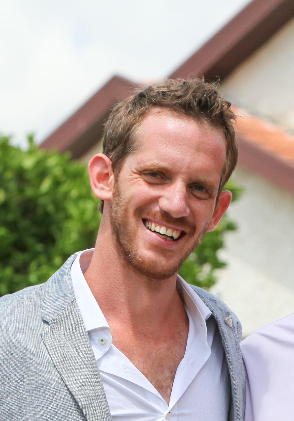 Alon  Alperovitz, CF Associate Member (UK, Israel, Europe), LSE  Alon is an entrepreneur, teacher, thinker and researcher in the area of entrepreneurship, identity, economics and psychology.