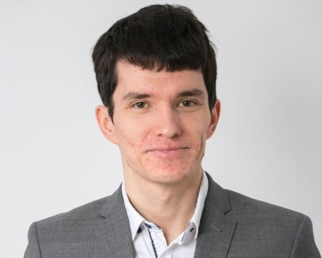 - Дмитрий ПлотниковОснователь и директор компании PlotnikovSoft. С 2011 года обладатель почетного звания SharePoint MVP.