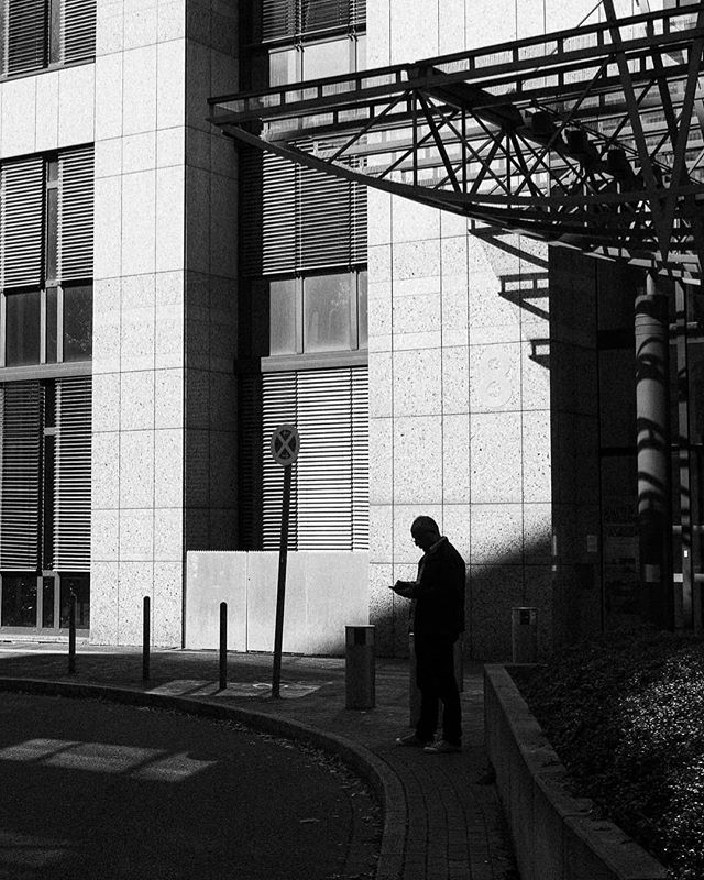Photo by SPC Member @royfochtman #streetphotographycologne #streetphotography