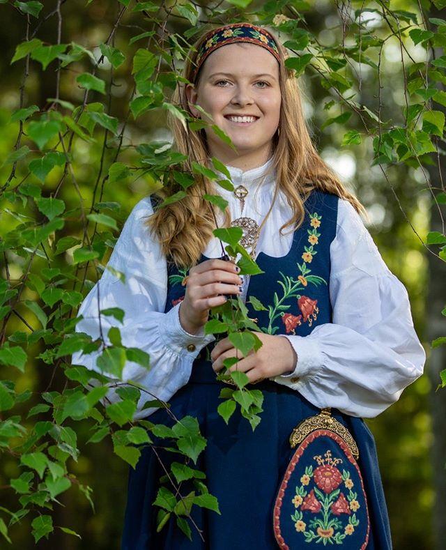En av årets flotte konfirmanter.  #portrett #konfirmasjon #konfirmant2019 #bunad #portrait #Norway #portrettfoto #konfirmasjonsfoto #østfoldfotograf #fotograføstfold #fotograf  #bardalphoto