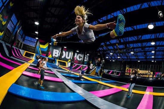Bounce - Find sportstøjet frem og gør klar til en hoppende, legende og super skæg dag!JULI TILBUD 1t: 100kr. Hele dagen 180kr.