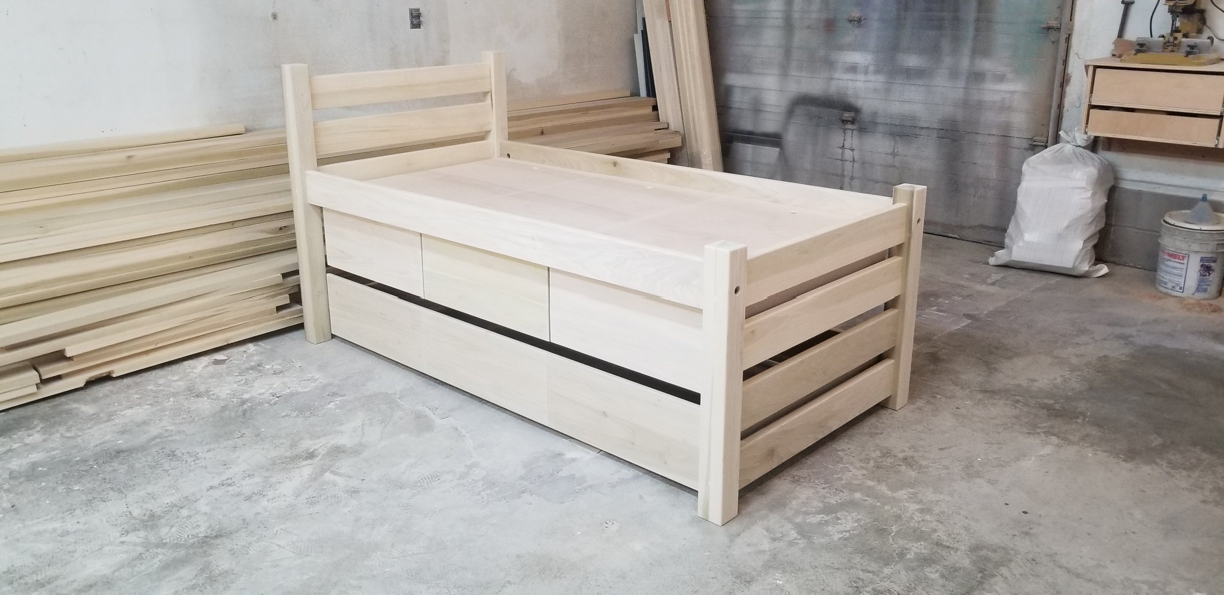 #43 MAINE CAPTAIN'S BED UNFINISHED 1.jpg