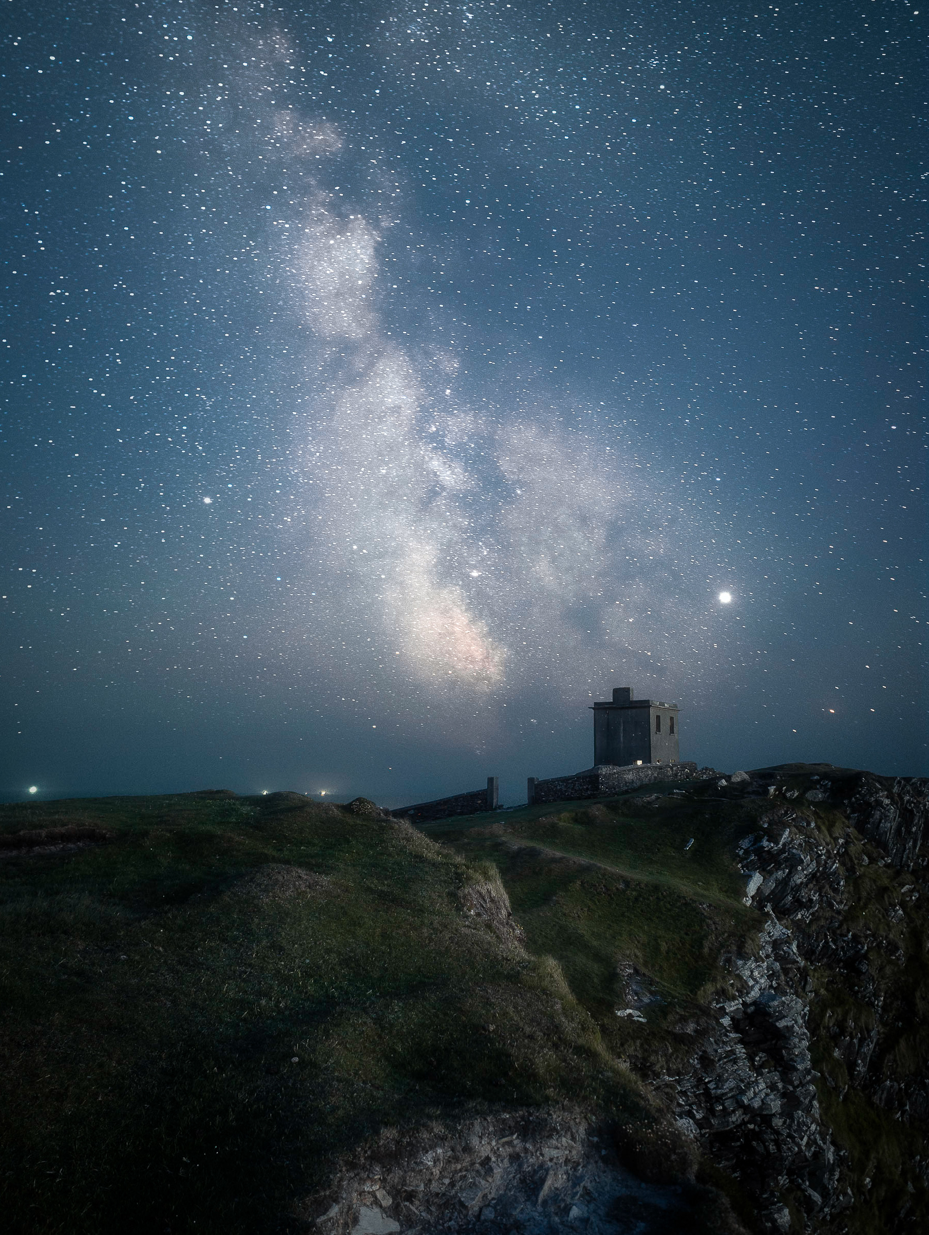 Bray Head located on Valentia Island, Co Kerry. This was taken during July where it never gets fully dark in Ireland so I had some lovely blue hour light on my foreground, taken at 11:15pm. The Milky Way rose at approx 1am.
