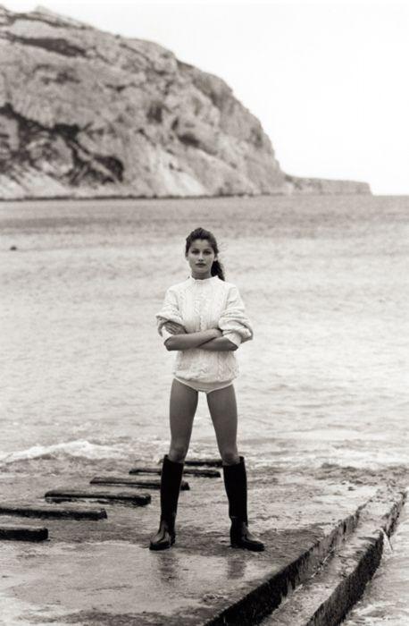 Laetitia Casta incarnation du minimalisme, par André Carrara en 1999