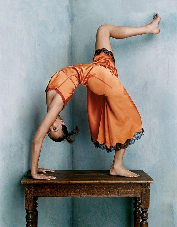 Christy Turlington en Prada par Steven Klein pour le Vogue US d'octobre 2002