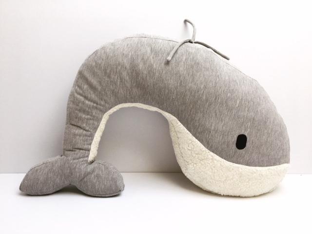 Whale Nanami feeding cushion