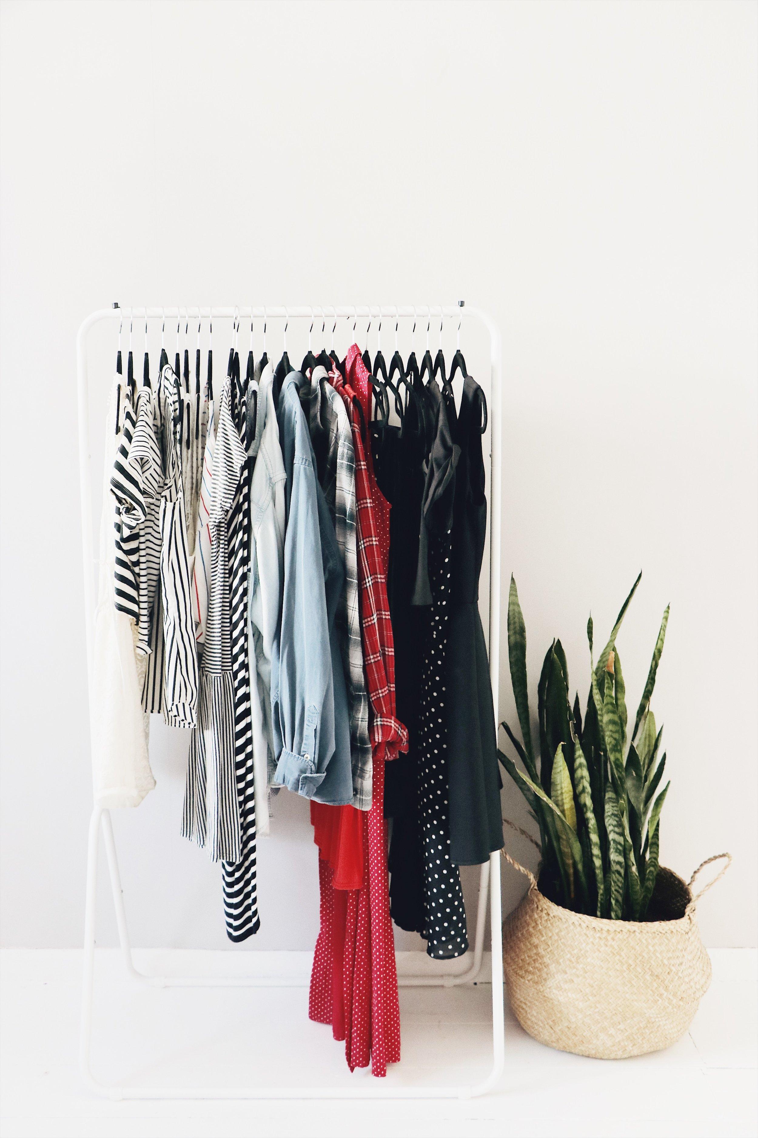 minimalistwardrobe.jpg