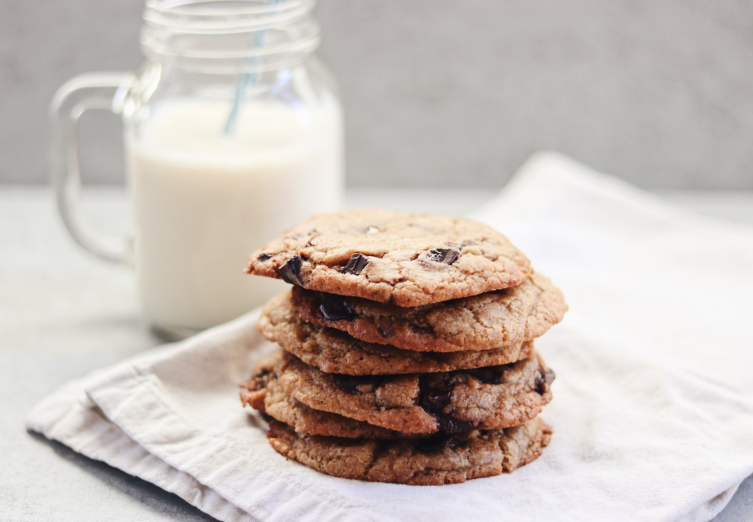Gooey, melt-in-your-mouth, crumbly cookies that your friends won't believe are vegan! - prep time 10-15 mins total time 20-30 mins serves 10
