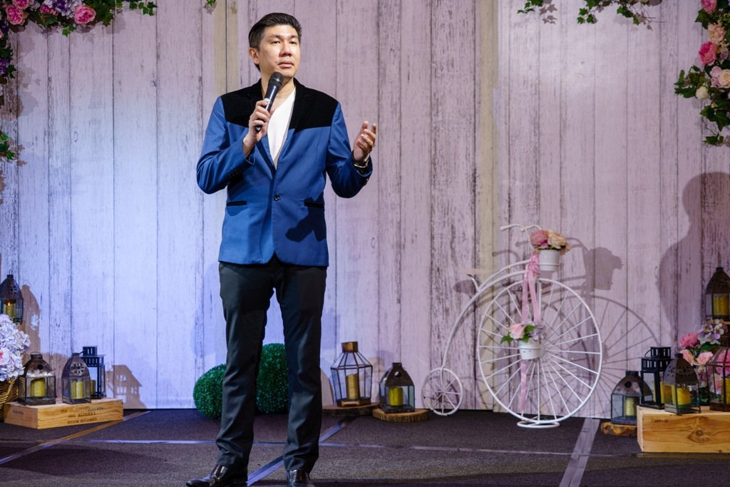 Wedding Show Emcee 2.jpg