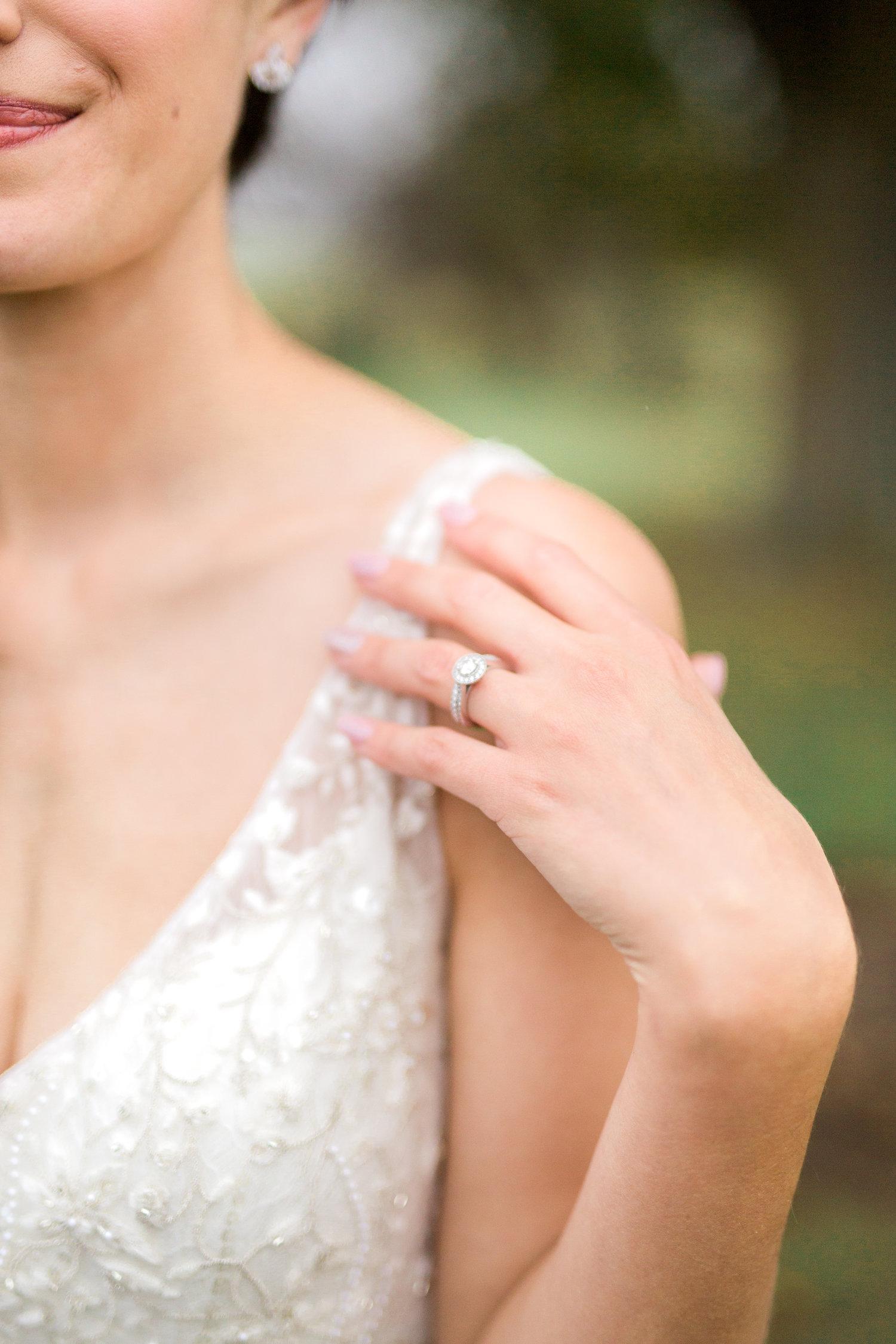 Amir-Golbazi-Danielle-Giroux-Photography_Toronto-Wedding_Cedarwood_Rachel-Paul_533.jpg