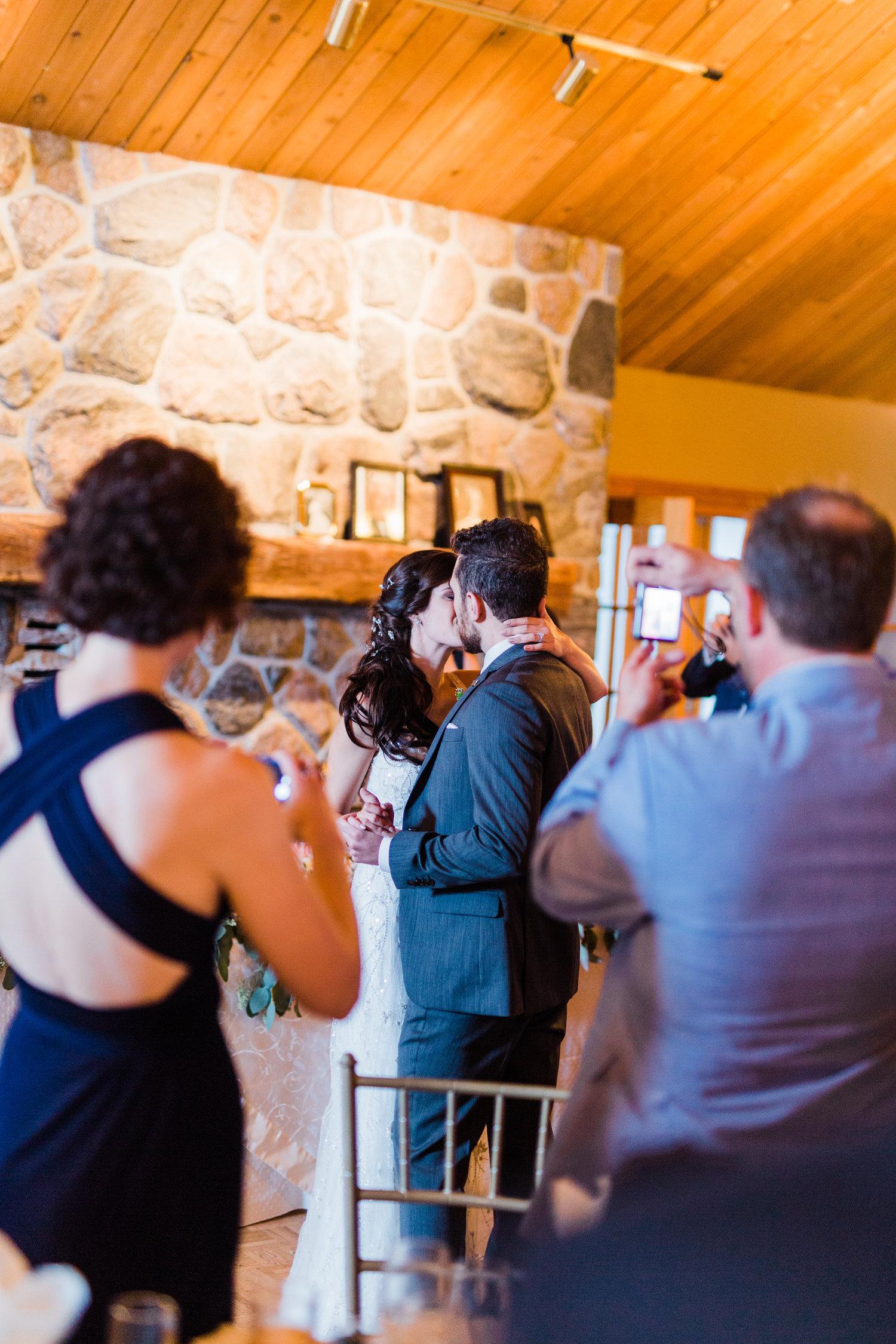 Amir-Golbazi-Danielle-Giroux-Photography_Toronto-Wedding_Cedarwood_Rachel-Paul_594.jpg