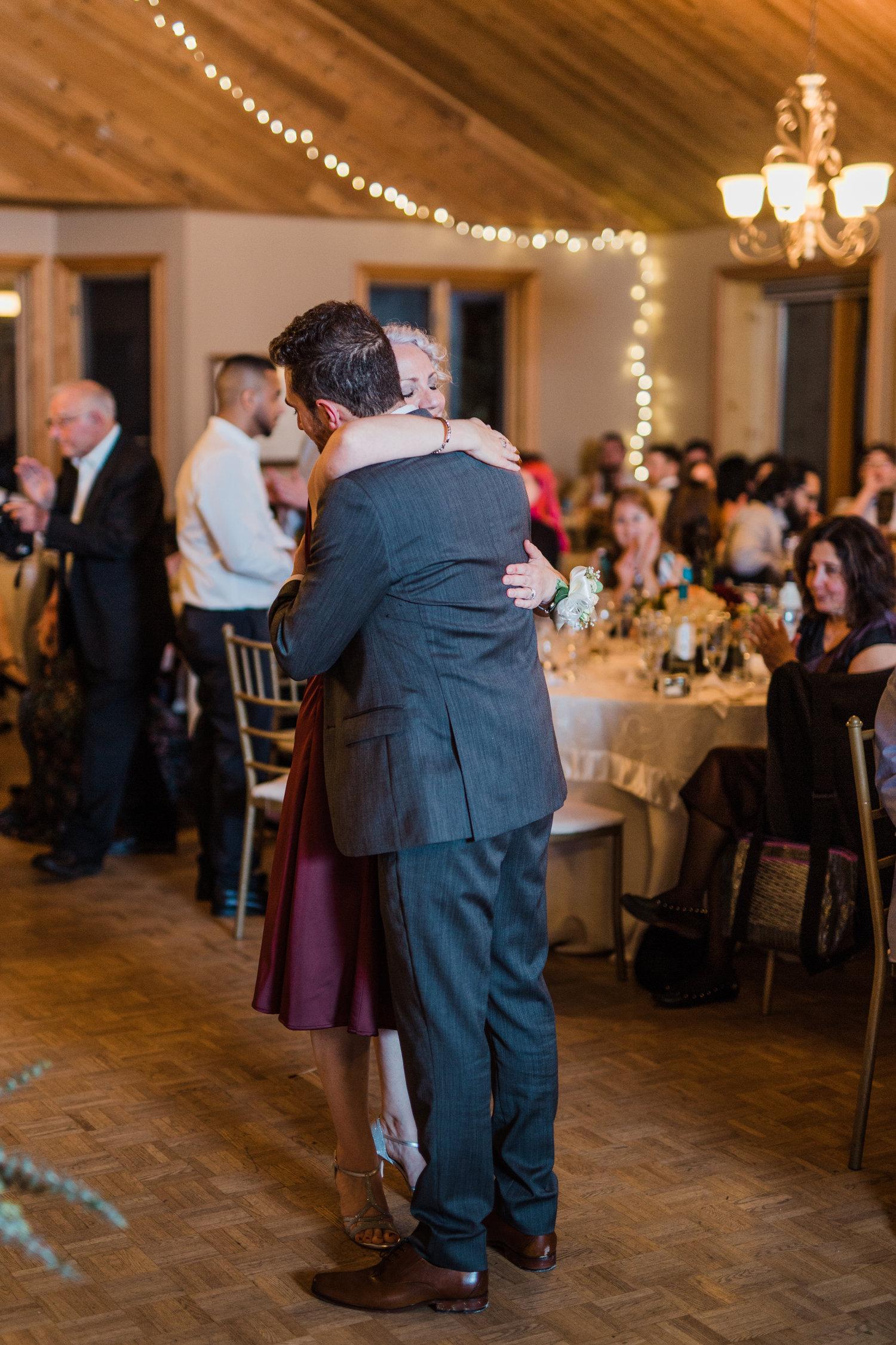 Amir-Golbazi-Danielle-Giroux-Photography_Toronto-Wedding_Cedarwood_Rachel-Paul_710.jpg