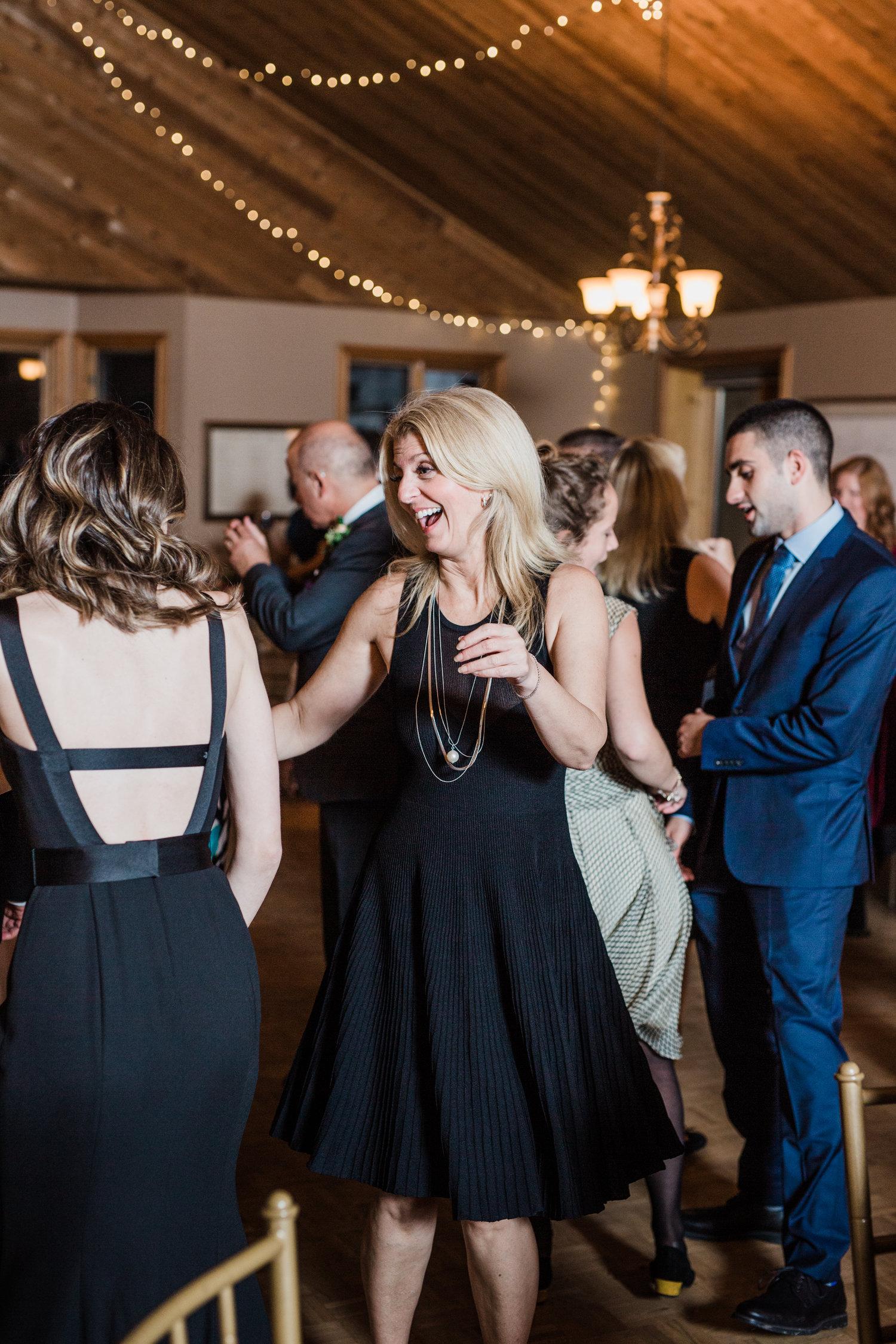 Amir-Golbazi-Danielle-Giroux-Photography_Toronto-Wedding_Cedarwood_Rachel-Paul_803.jpg
