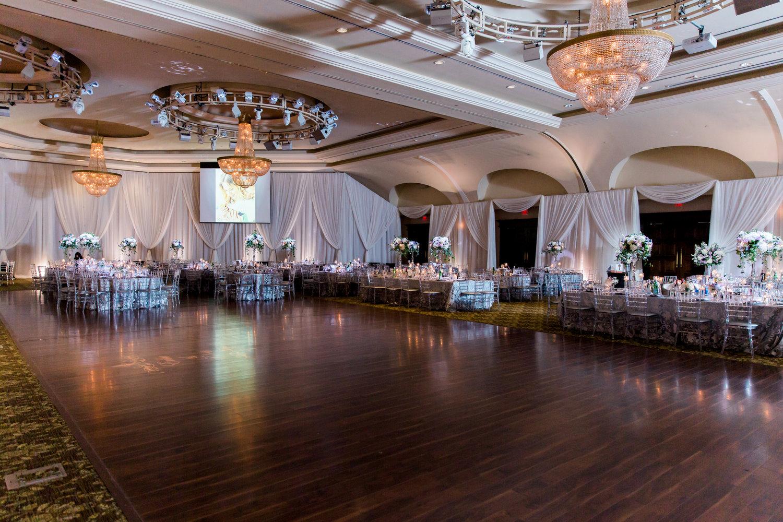 Danielle-Giroux-Amir-Golbazi-Toronto-Wedding-Photographer-Bellvue-Manor_DeLuca_2-223.jpg