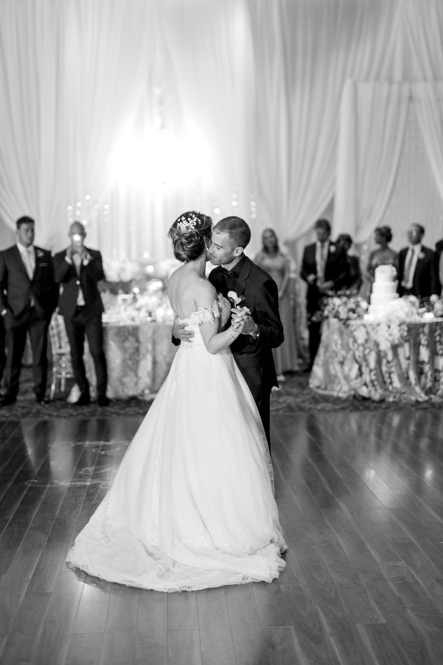 Danielle-Giroux-Amir-Golbazi-Toronto-Wedding-Photographer-Bellvue-Manor_DeLuca_2-357.jpg