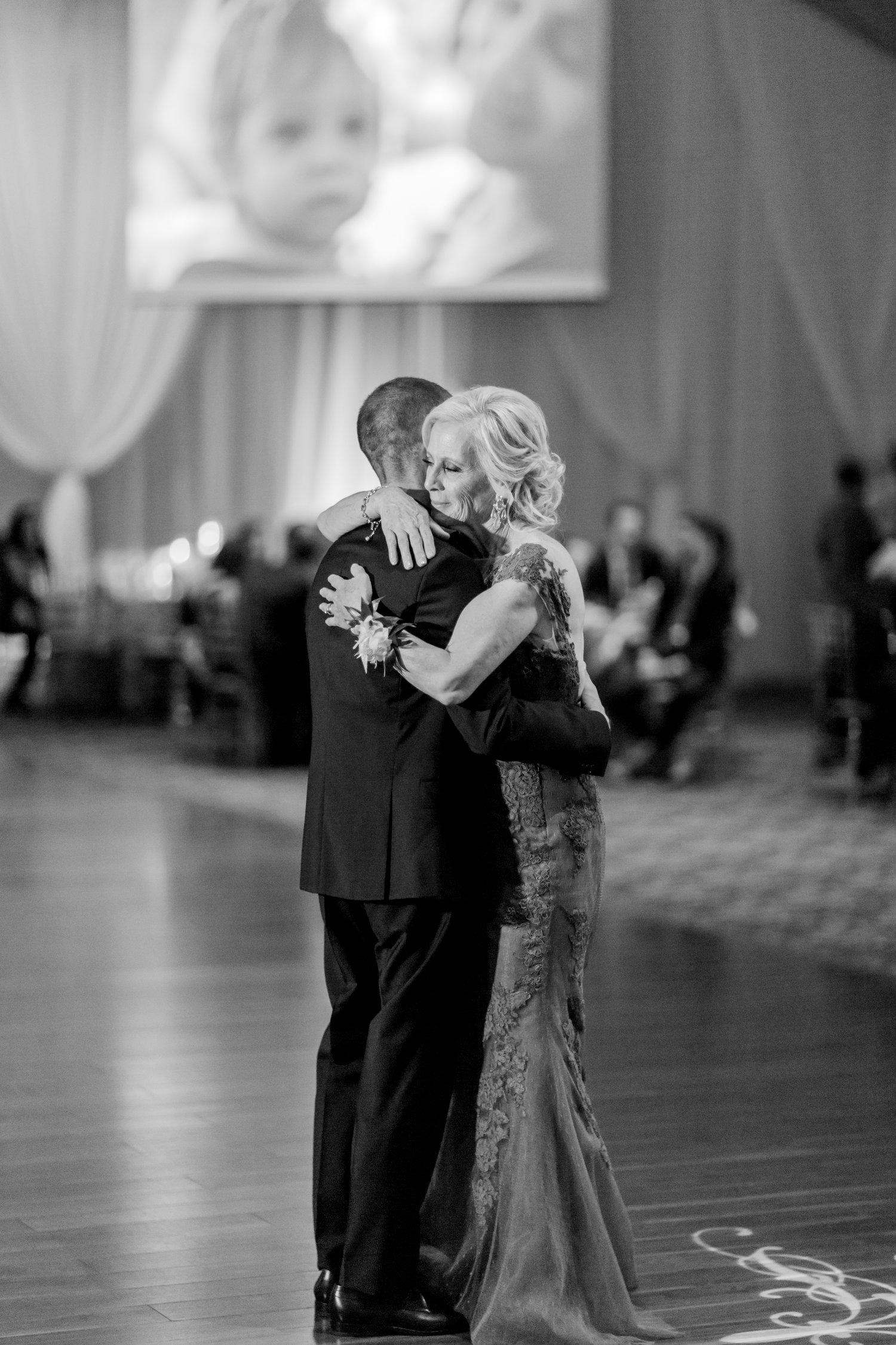 Danielle-Giroux-Amir-Golbazi-Toronto-Wedding-Photographer-Bellvue-Manor_DeLuca_2-739.jpg