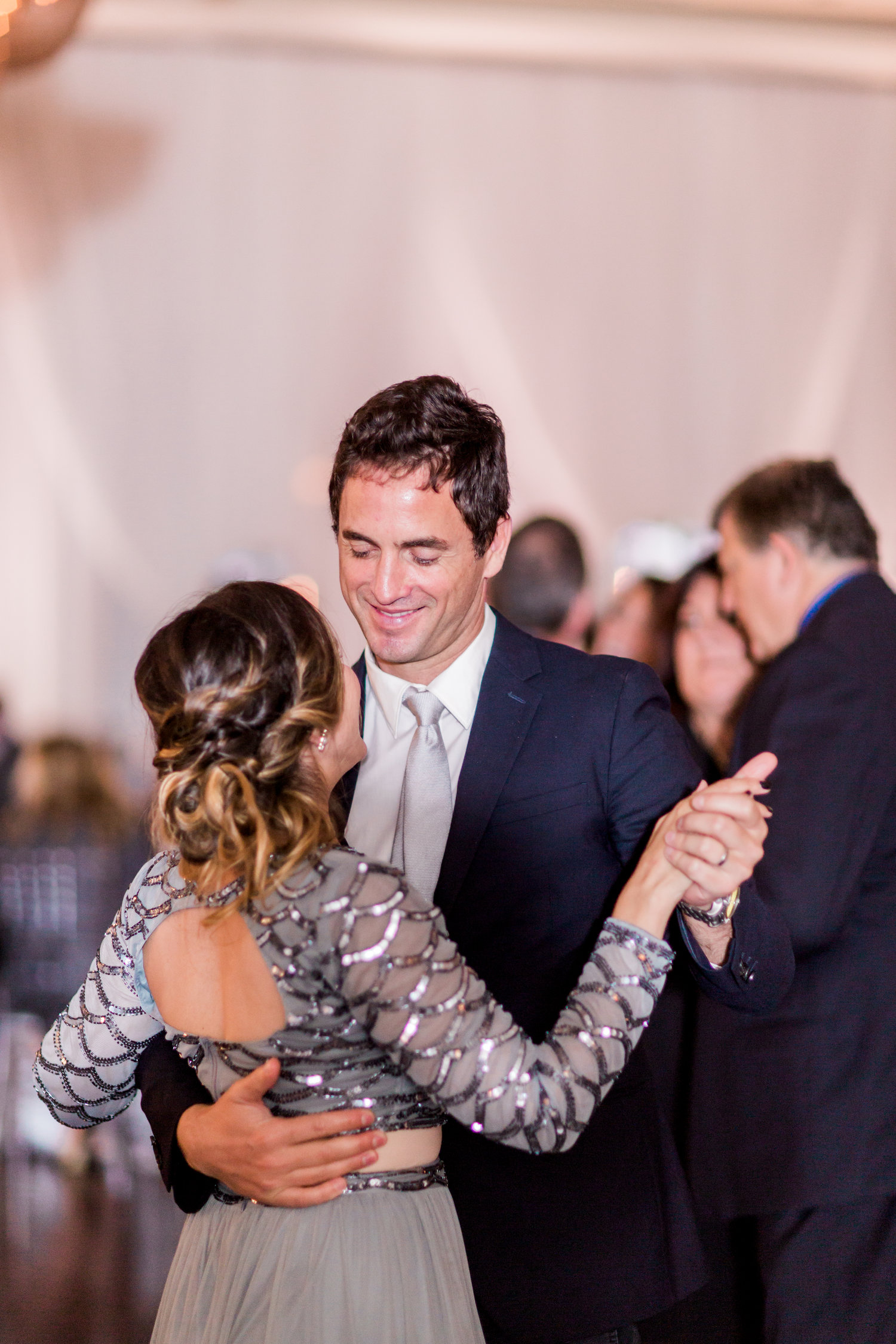 Danielle-Giroux-Amir-Golbazi-Toronto-Wedding-Photographer-Bellvue-Manor_DeLuca_2-833.jpg