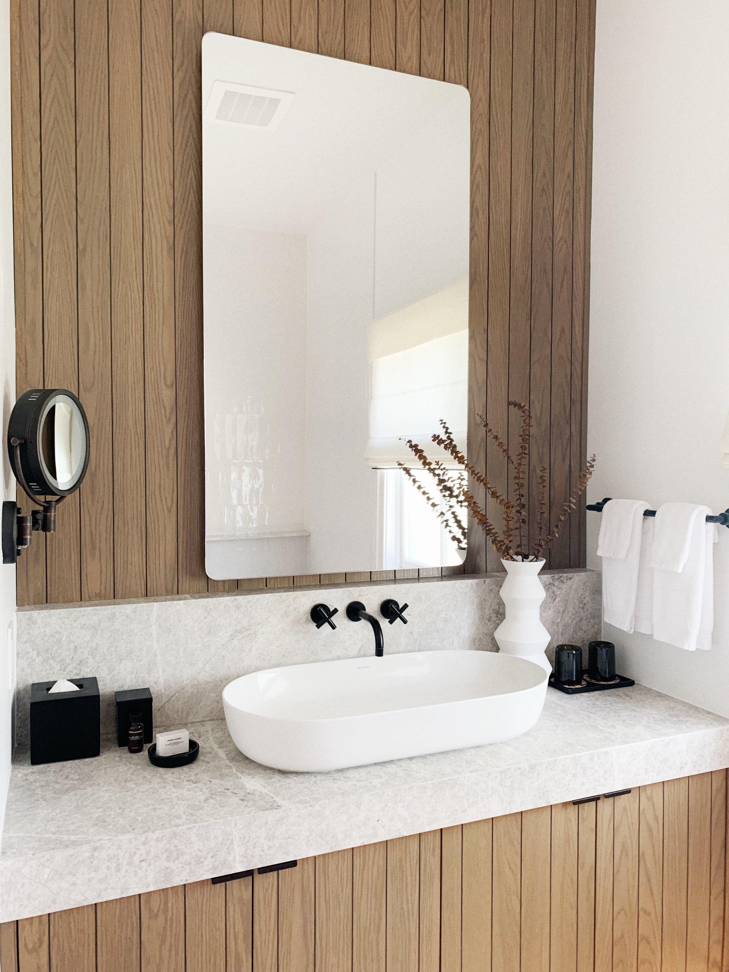 MacArthur Place Bathroom.JPG