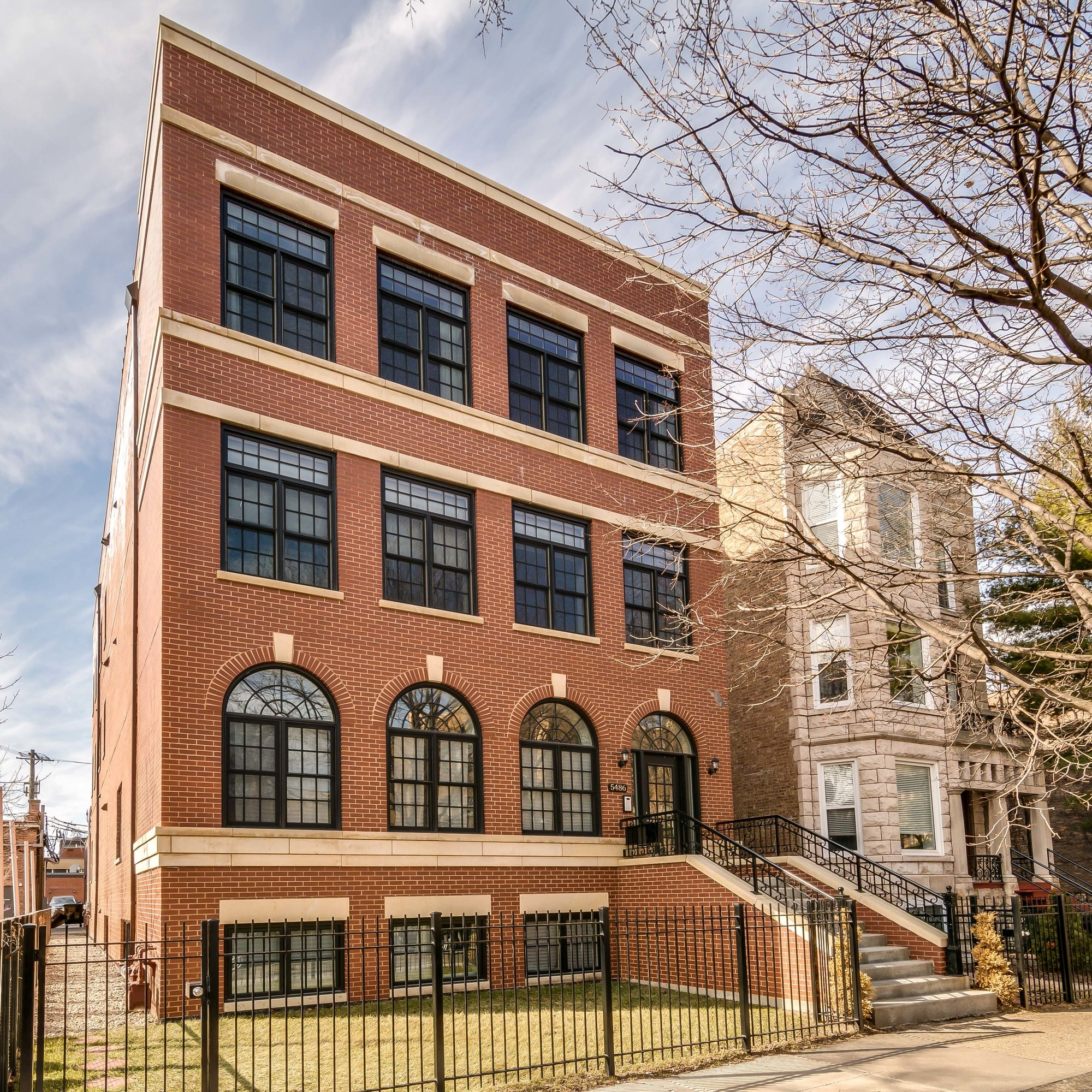 5486 S Woodlawn_001.jpg