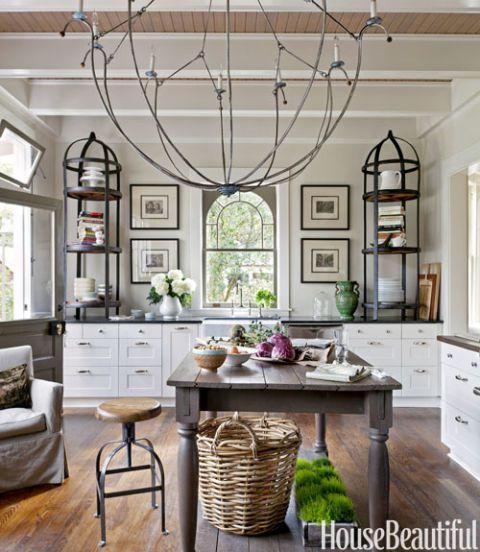 Design by Mary Jo Bochner via  House Beautiful