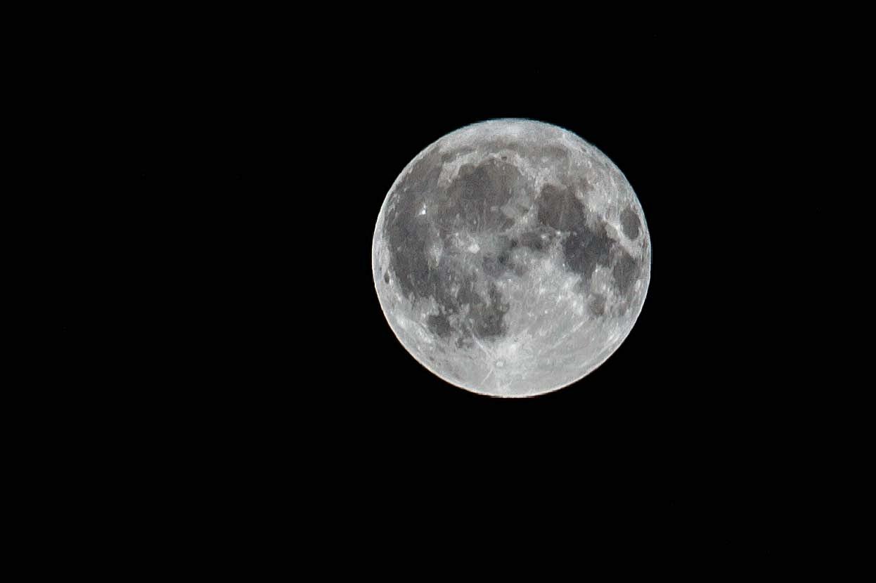 Harvest Moon - Bend Photo Tours