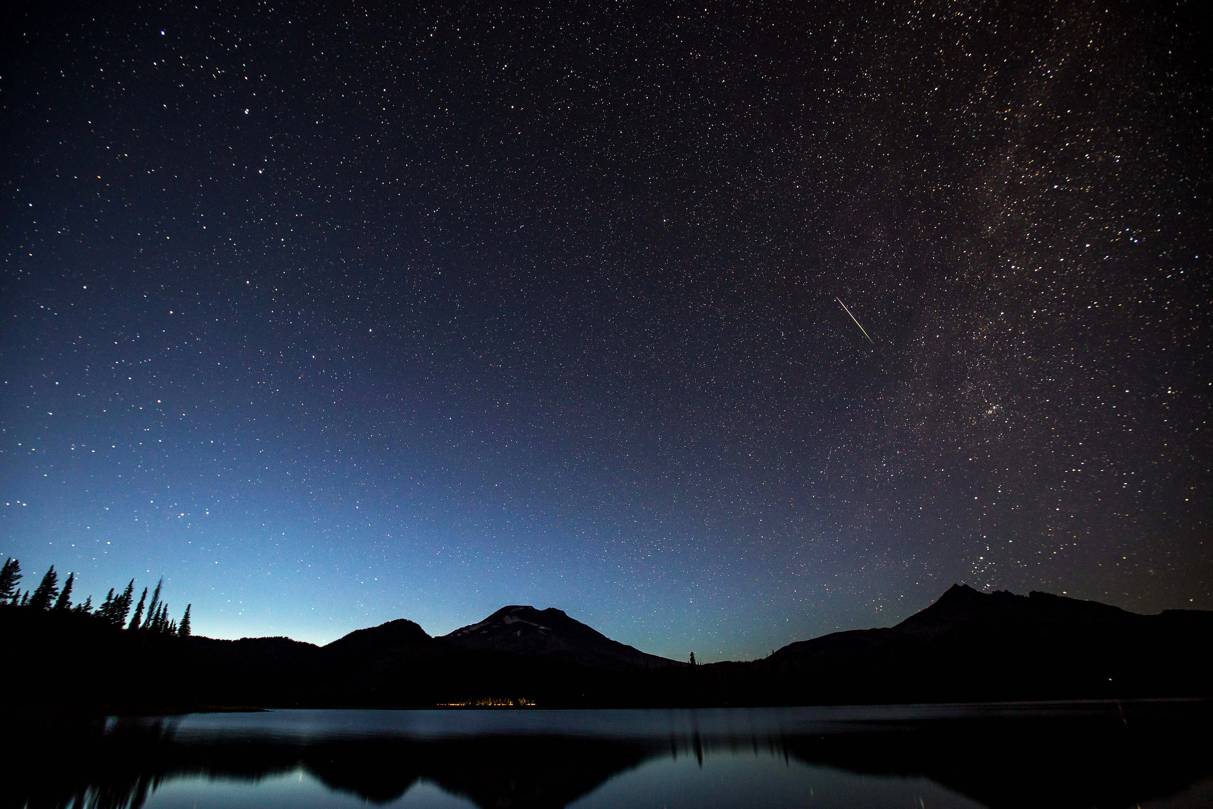 Perseid Meteor Shower bend photo tours