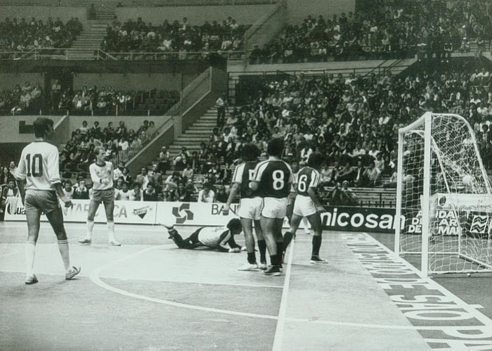 Indoor-Soccer-1982-Sao-Paulo-World-Cup.jpg