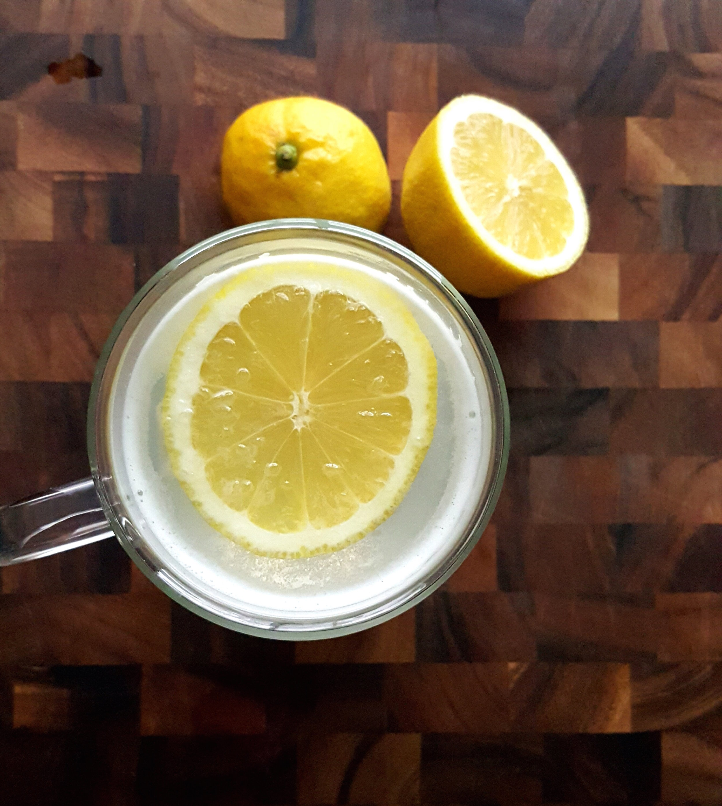 - ingredients:-8-12 oz. boiling water-juice squeezed from ½ lemon-1 clove of garlic-1 inch piece of ginger root-1-2 tsp raw honey-pinch cayenne peppermake it:-bring water to a boil, set aside and allow to cool slightly-using a sharp knife, pierce the garlic clove a few times. Do the same with the ginger. Add both to a tea steeper placed in a mug,along with a pinch of cayenne pepper. Pour boiling water over top and let steep for 5 minutes.-remove the steeper, squeeze in lemon juice and add the honey.Stir well to combine and enjoy!Note: it's important to let the boiled water cool slightly before pouring over your ingredients, otherwise the heat will destroy a lot of the beneficial properties!