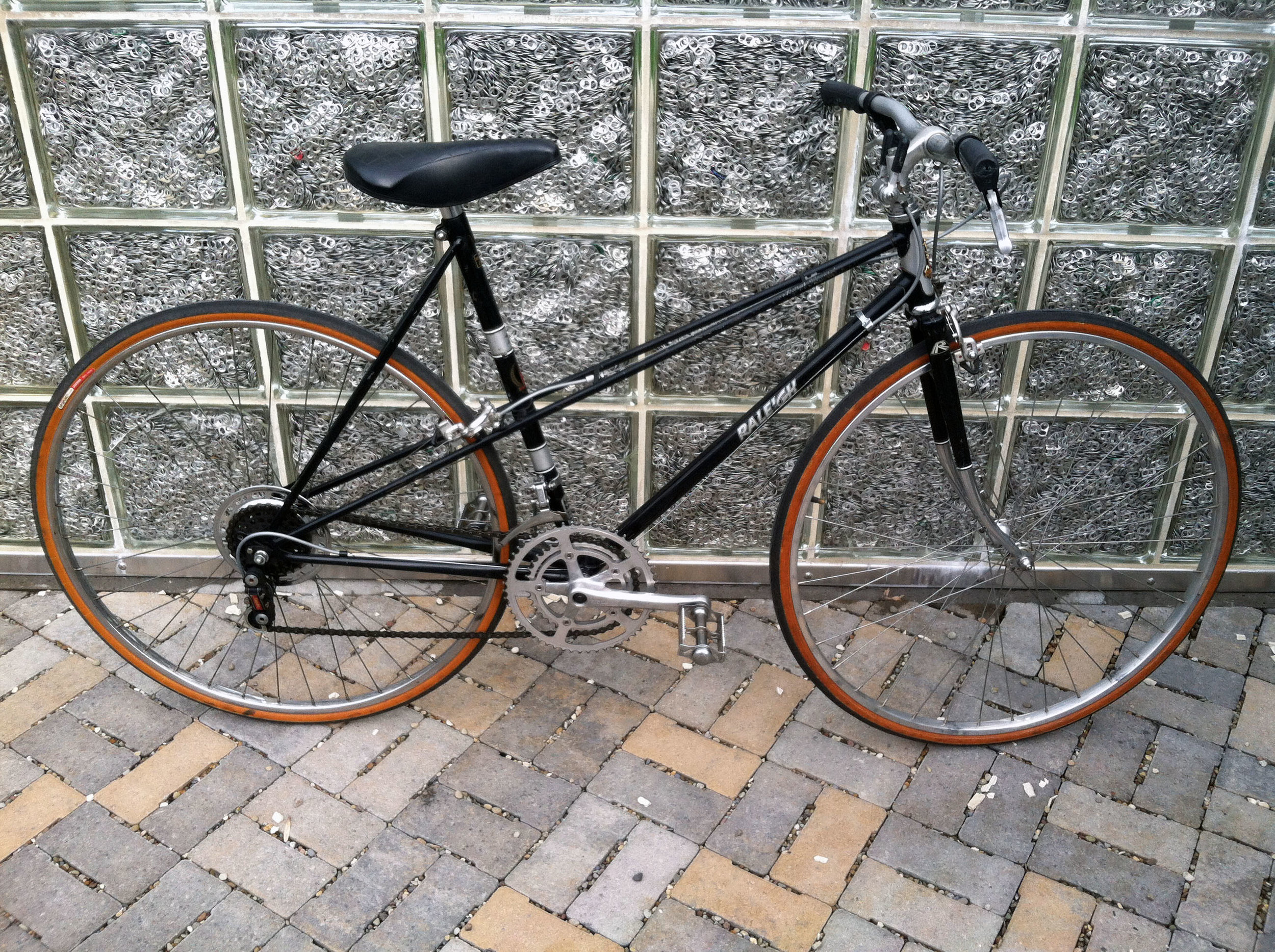 01 1981 Raleigh Super Record Mixte.jpg