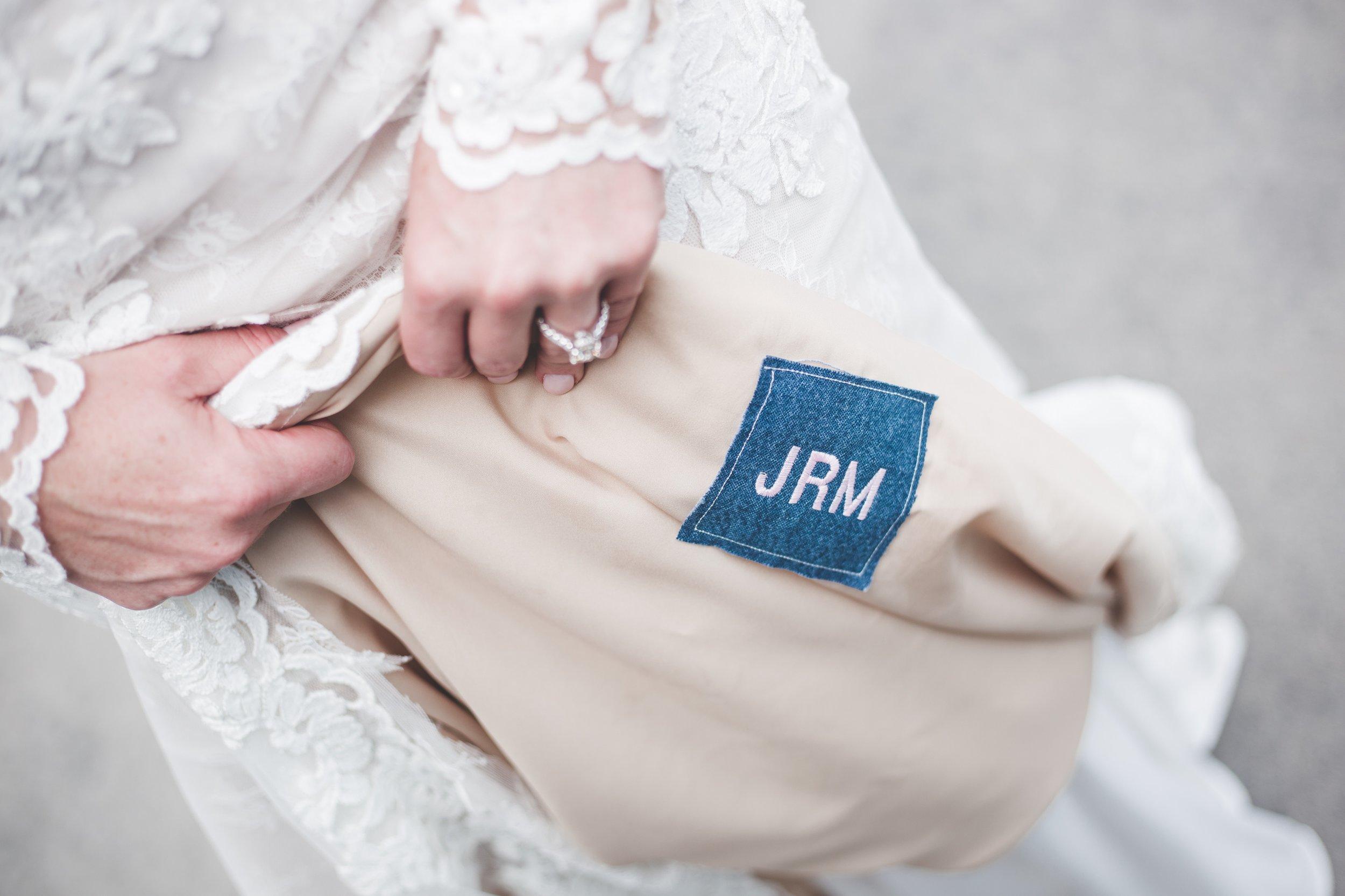 cider-gallery-lawrence-ks-wedding-photographer-jason-domingues-photography-lindsey-paul-0238.jpg