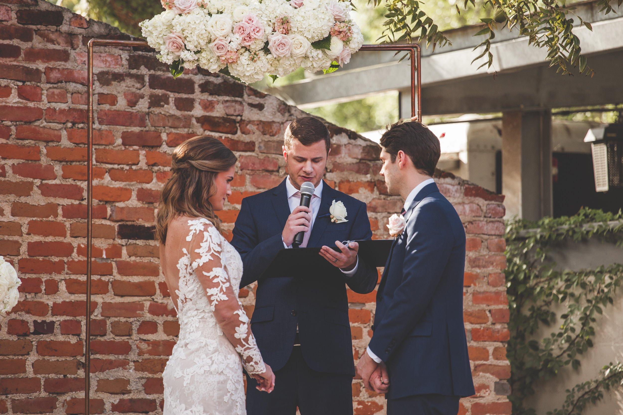 cider-gallery-lawrence-ks-wedding-photographer-jason-domingues-photography-lindsey-paul-0369.jpg