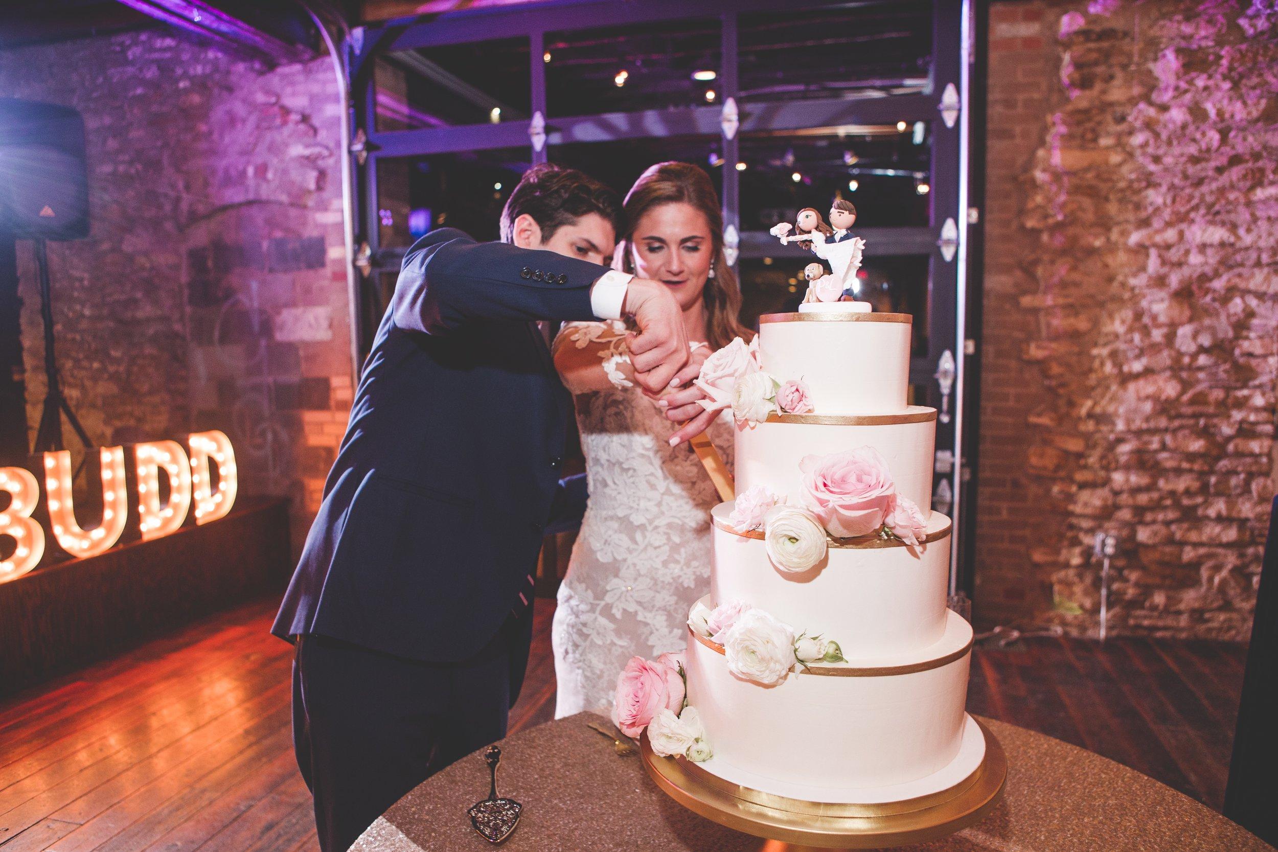 cider-gallery-lawrence-ks-wedding-photographer-jason-domingues-photography-lindsey-paul-0600.jpg