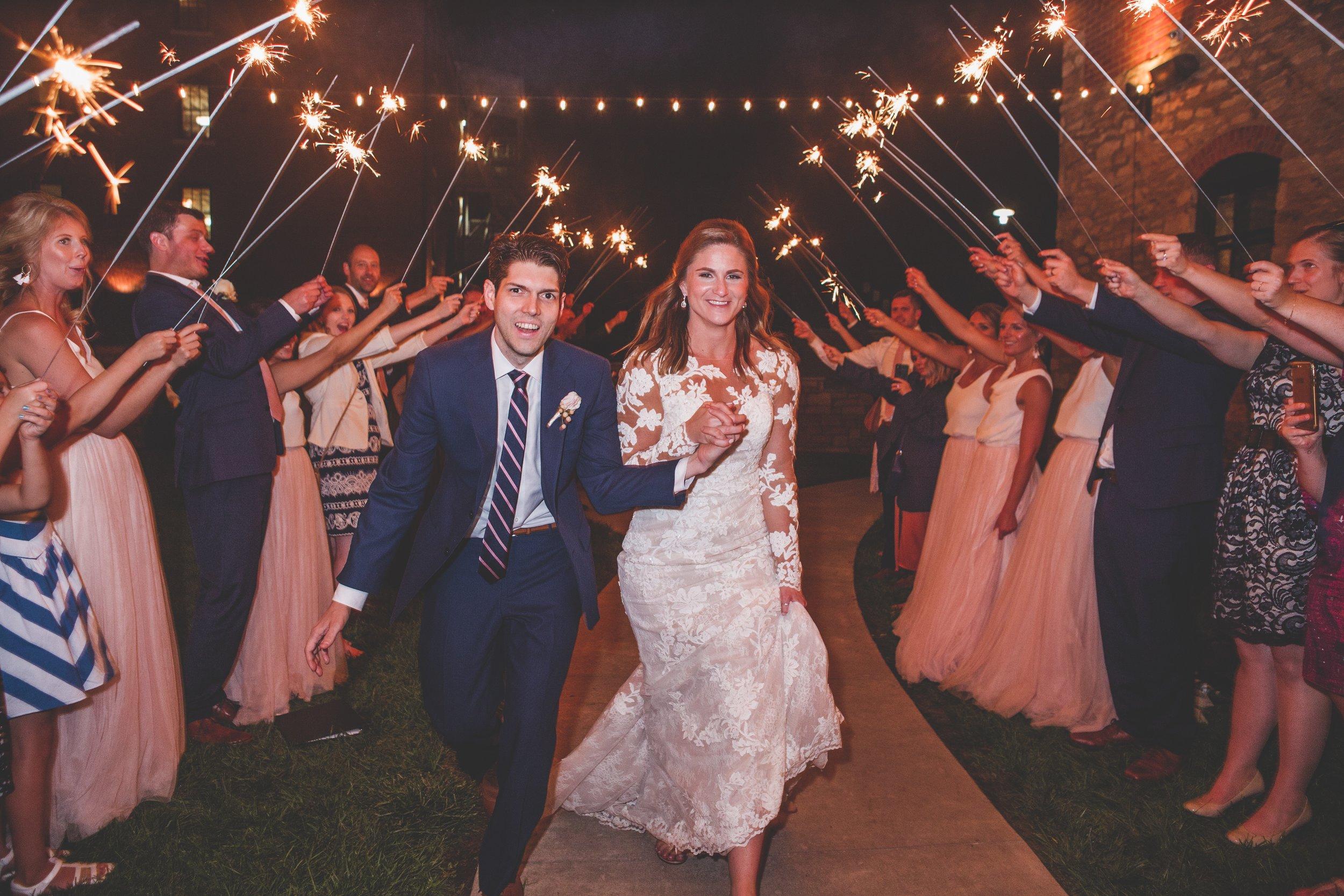cider-gallery-lawrence-ks-wedding-photographer-jason-domingues-photography-lindsey-paul-0737.jpg