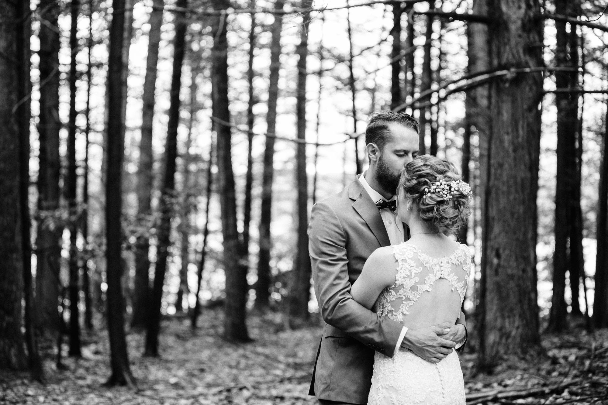 lacawac-sanctuary-wedding-lake-wallenpaupack-9096.jpg
