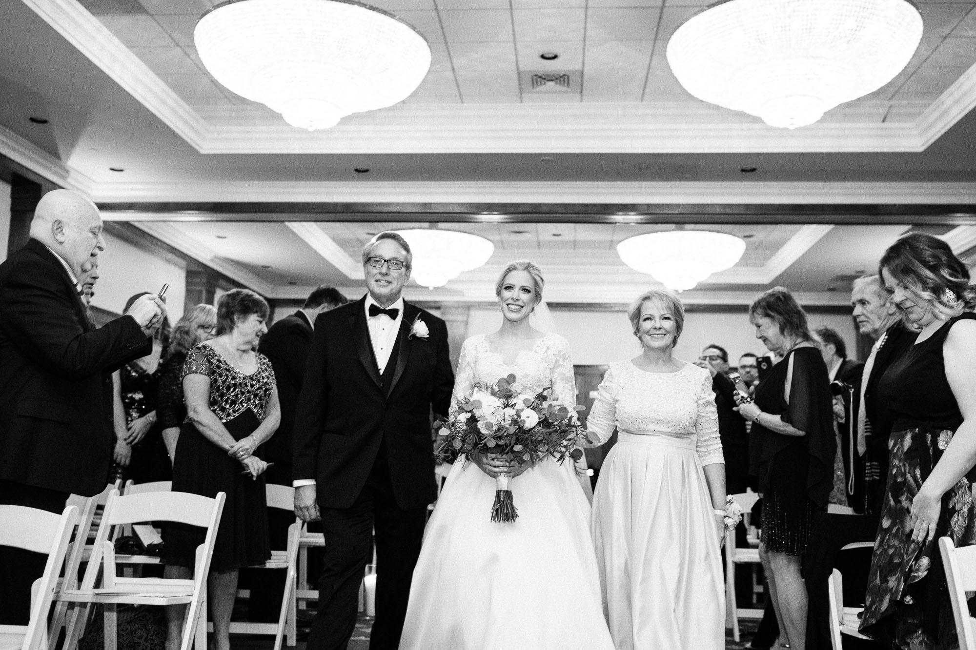 skytop-lodge-pocono-winter-wedding-2697.jpg