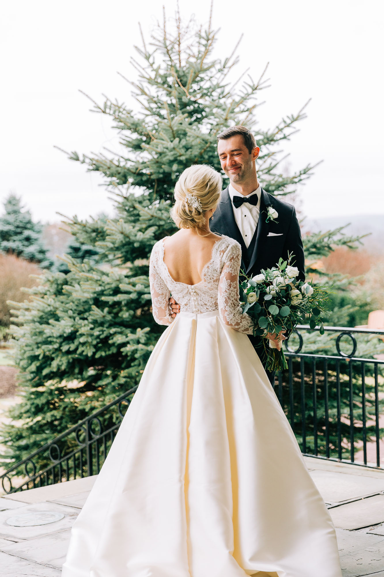 skytop-lodge-pocono-winter-wedding-2868.jpg
