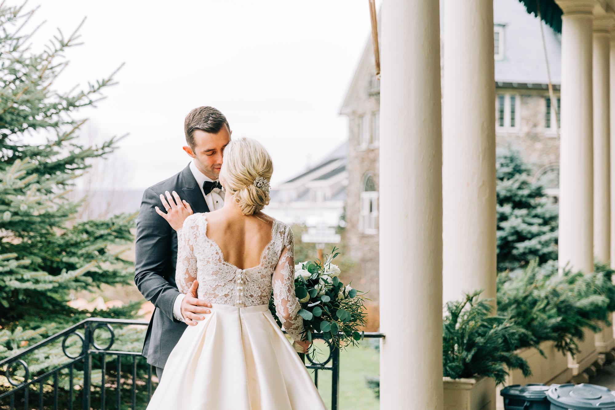 skytop-lodge-pocono-winter-wedding-2871.jpg