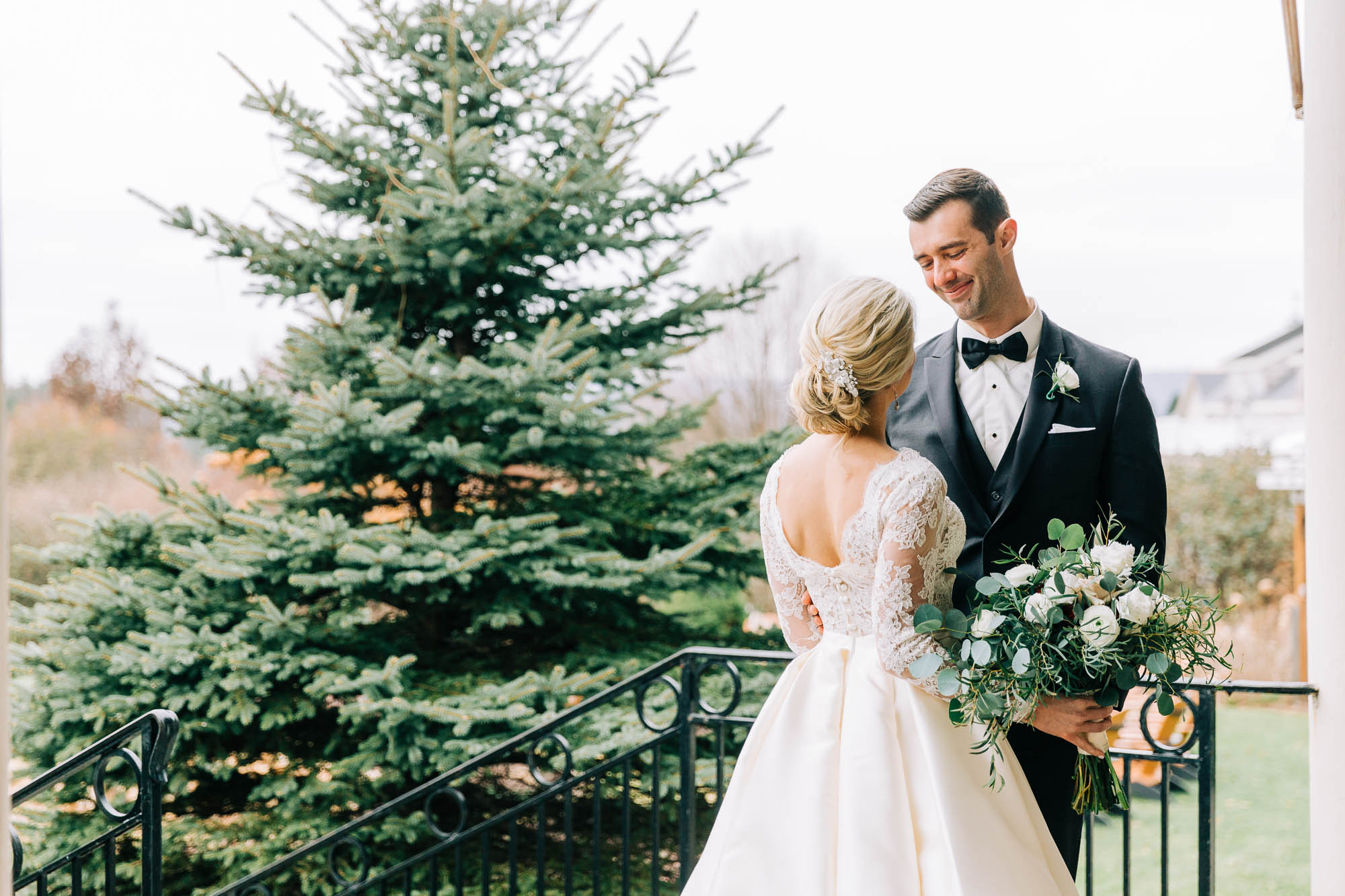 skytop-lodge-pocono-winter-wedding-2878.jpg