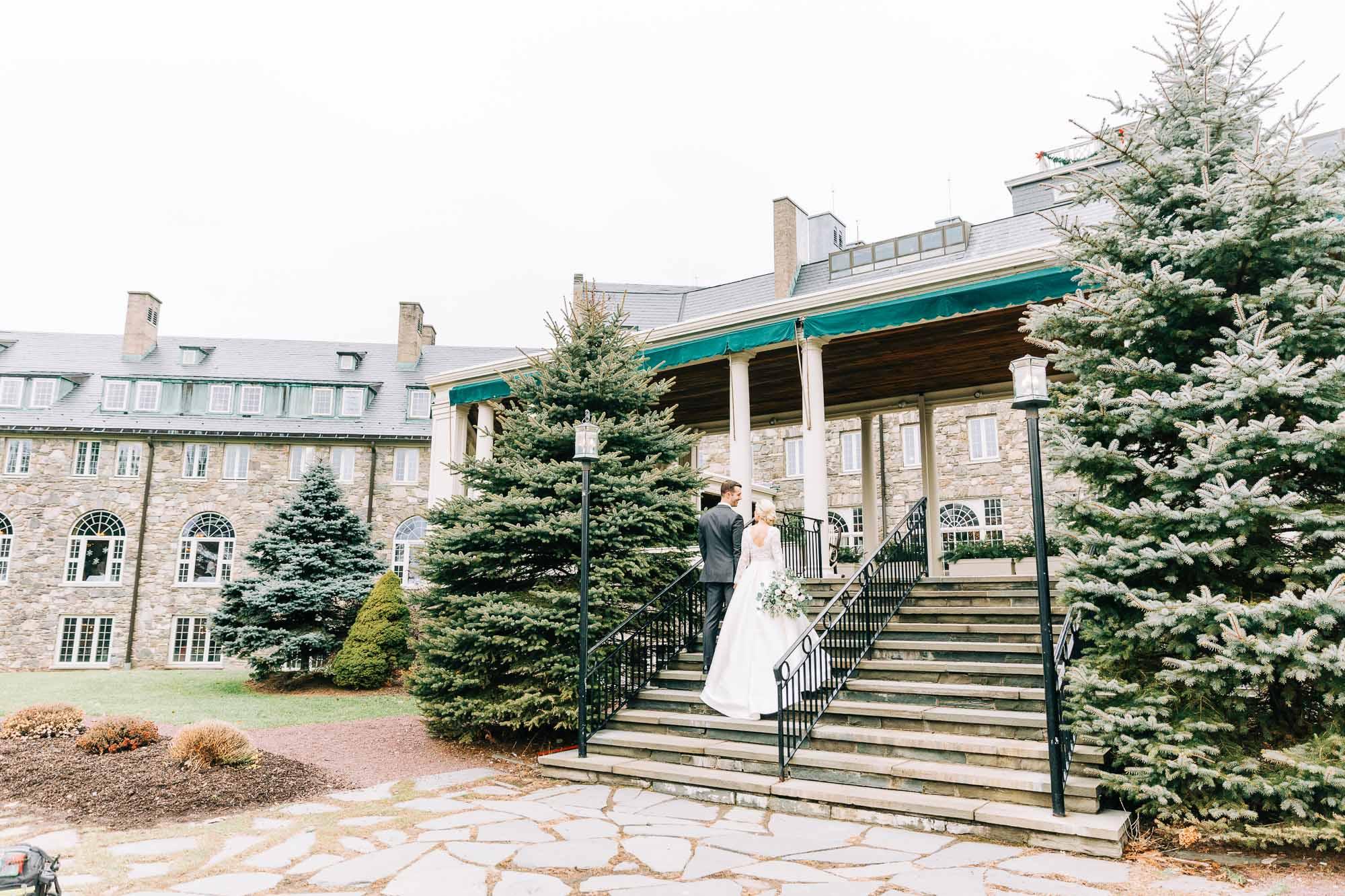 skytop-lodge-pocono-winter-wedding-2909.jpg