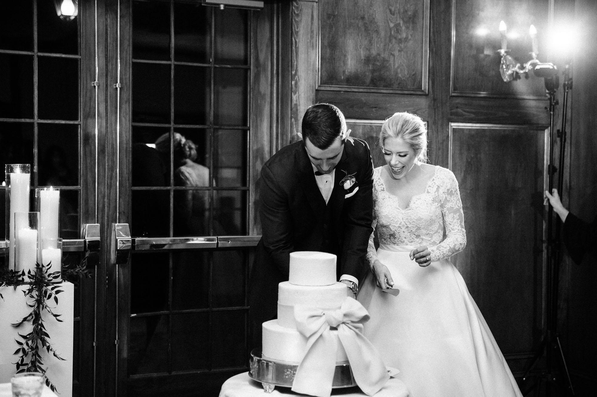 skytop-lodge-pocono-winter-wedding-3634.jpg
