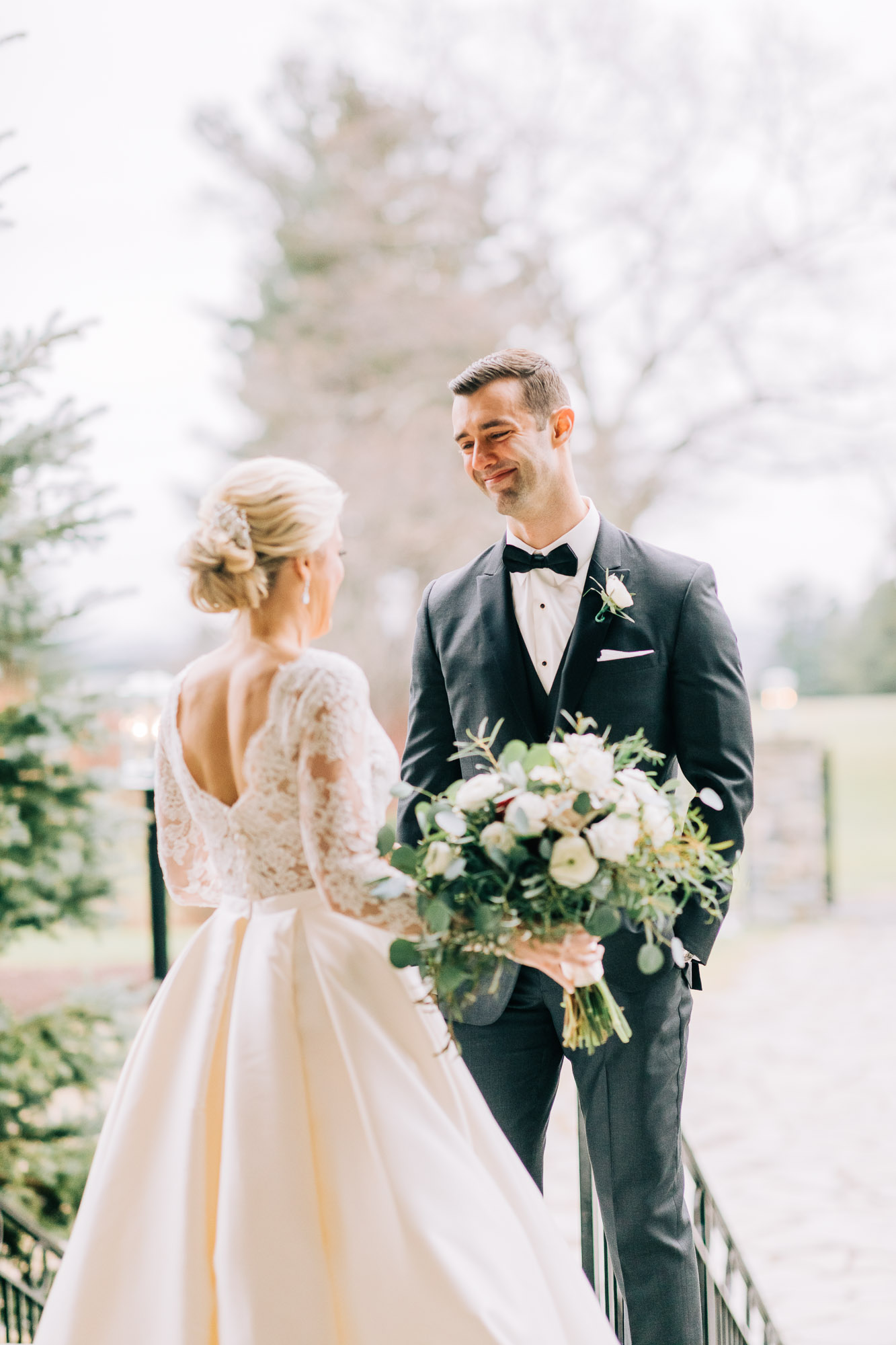 skytop-lodge-pocono-winter-wedding-8282.jpg