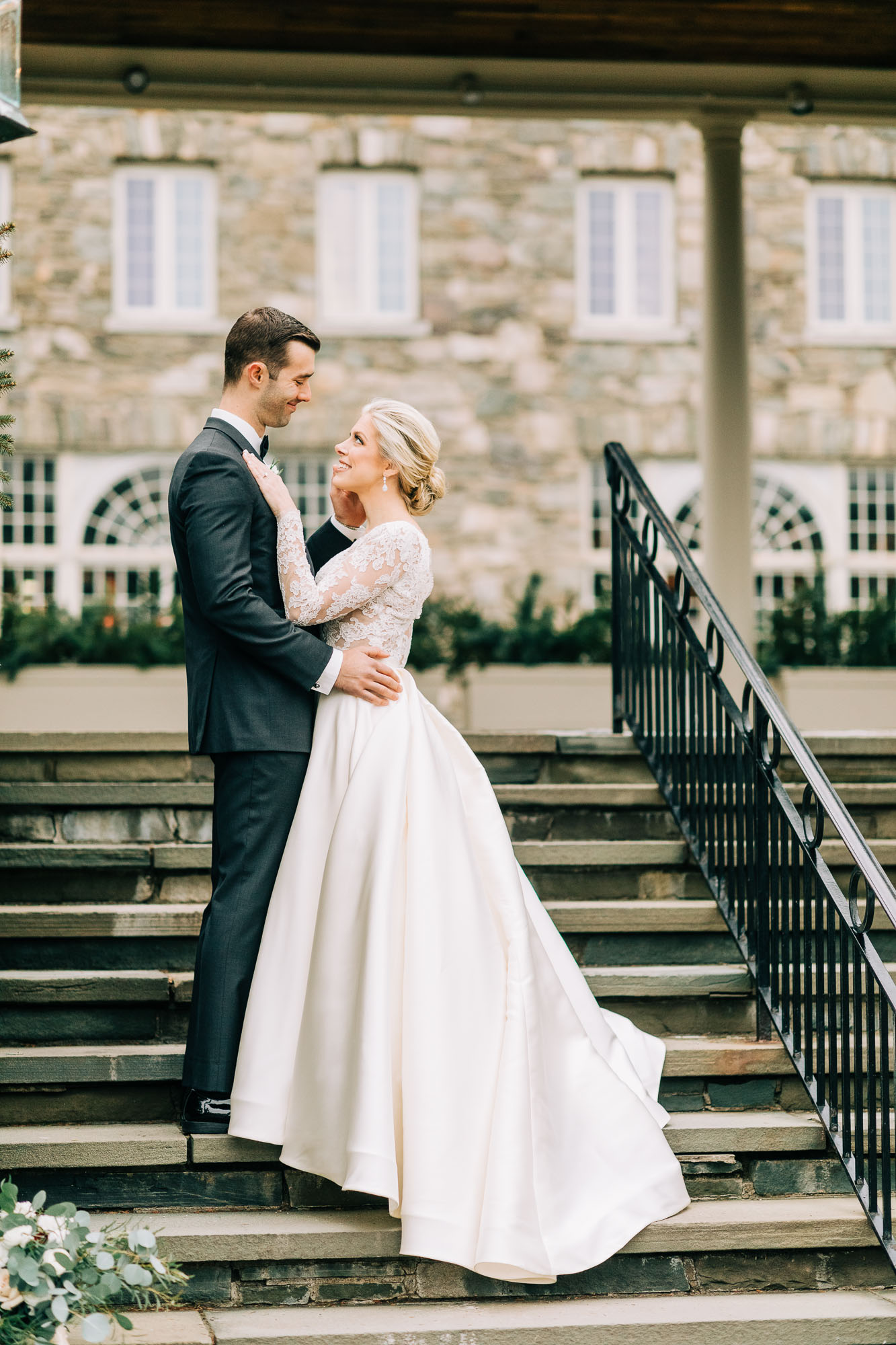 skytop-lodge-pocono-winter-wedding-8337.jpg