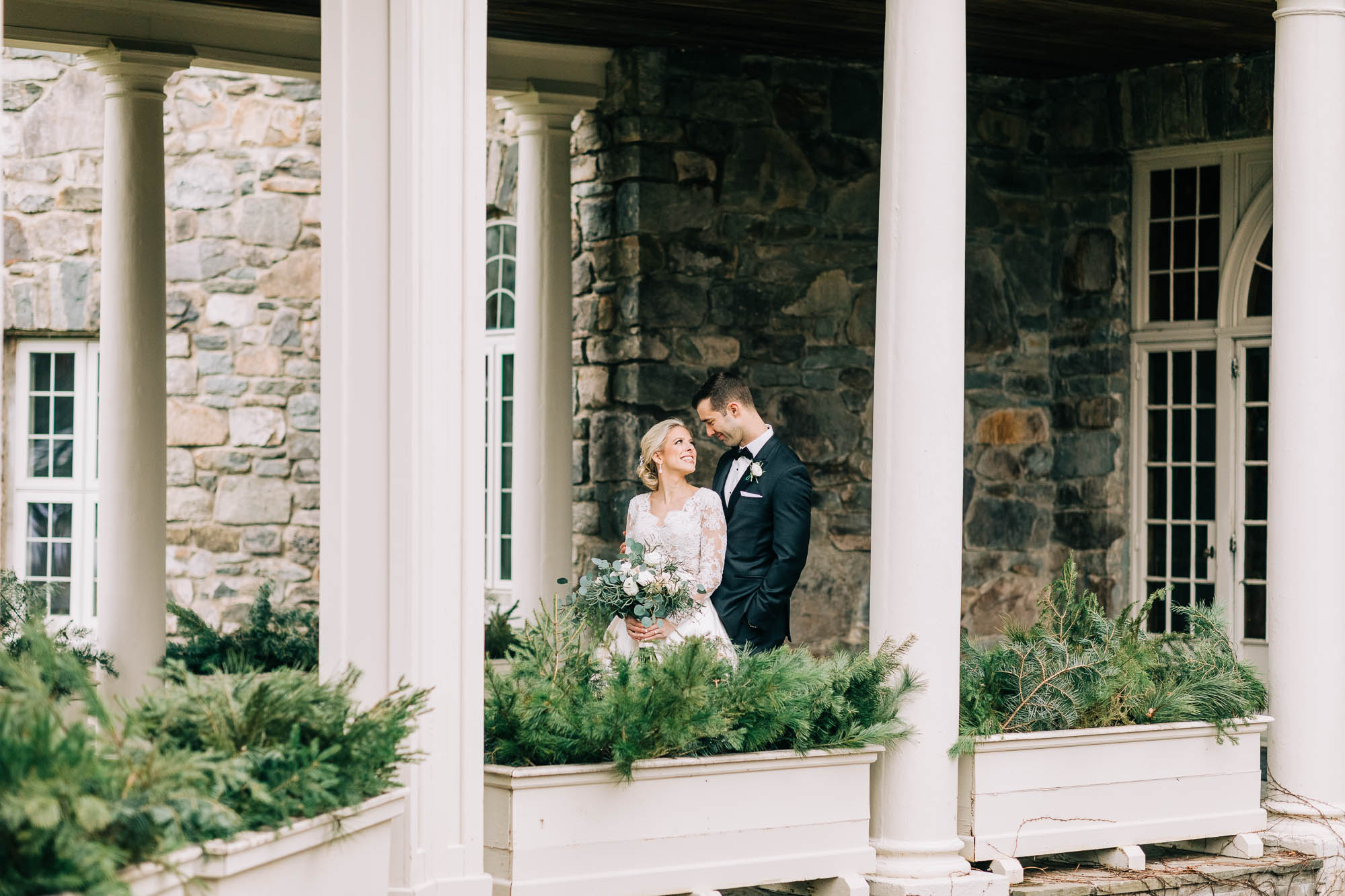 skytop-lodge-pocono-winter-wedding-8359.jpg